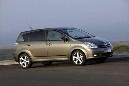 Nuova Toyota Corolla Verso D-CAT, monovolume con motore pi?? potente e meno inquinante della categoria