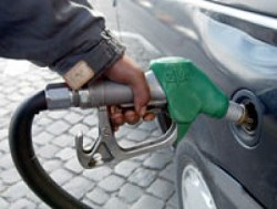 Prezzi benzina record: trovare i distributori e le pompe con le tariffe pi?? economiche e convenienti