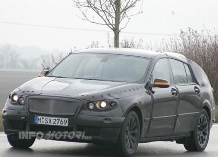 BMW V5: la nuova berlina con un design innovativo che rompe gli schemi con il passato. Prime foto.