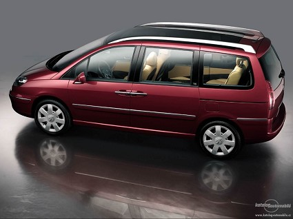 La Peugeot 807