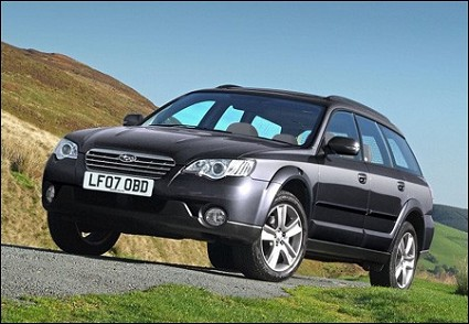 Honda Cr-V Suv: nuovo modello riscuote grande successo di vendite. Motori diesel e benzina e alta tecnologia di bordo.