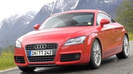 Audi TTS: coup?¿ sportiva da sogno. Caratteristiche tecniche, tecnologia e motori ai massimi livelli. Interni ed esterni di elevata qualit?á. La sfida a Maserati e Porsche ?¿ lanciata. Foto ufficiali.
