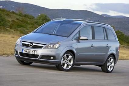 Nuova Opel Zafira 2008 in vendita in Italia. Motori, caratteristiche tecniche, design e 7 posti per la rinnovata monovolume compatta.