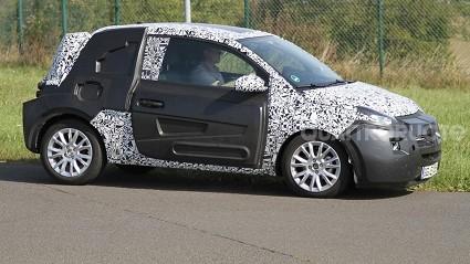 Opel Adam 2012: compatta e grintosa