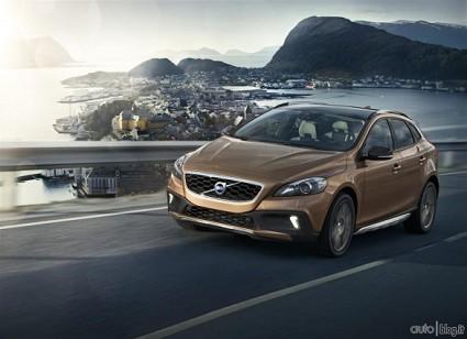 Confronto Volvo V40 e Mercedes Classe A: motori e consumi