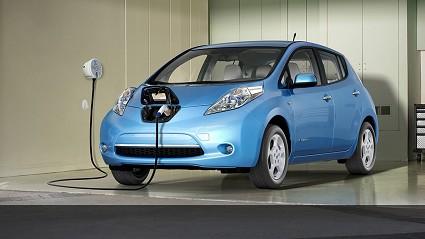 Confronto migliori elettriche 2013: 508 RXH, Nissan Leaf e Ampera
