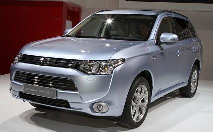 Mitsubishi Outlander PHEV 2013: ibrido plug in