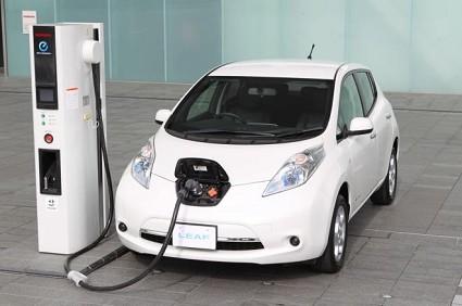 Nuova Nissan Leaf 2013: prezzo offerta a 199 euro al mese