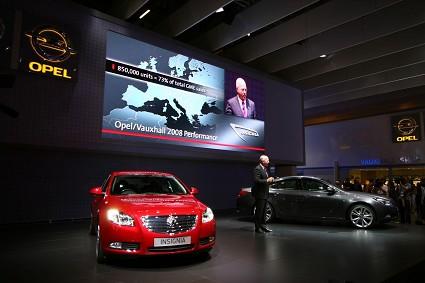 Opel Insignia: presentazione ufficiale al Salone di Londra 2008 nuovo modello. Prezzi, allestimenti, motori e caratteristiche tecniche. Foto ufficiali