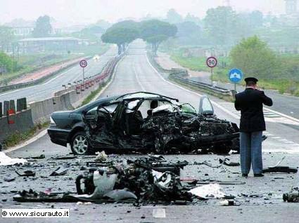 Codice della strada: in arrivo il reato di omicidio stradale. La posizione del premier Renzi