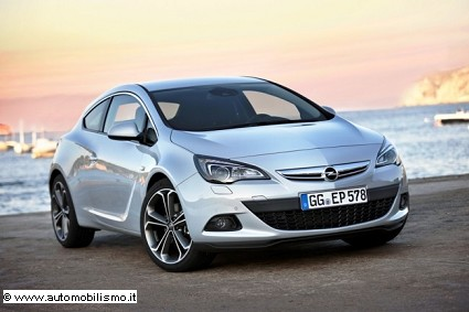 Nuova Opel Astra GTC 1.6 CDTI: prestazioni e prezzi