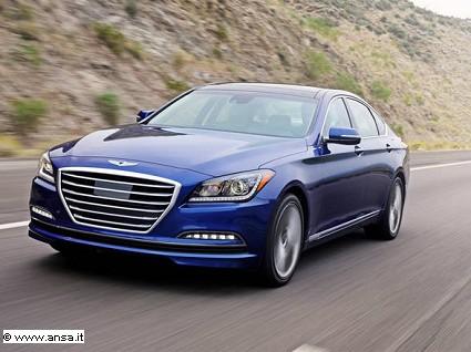 Hyundai Genesis capace di frenare da sola in prossimit?á di autovelox. Come funziona