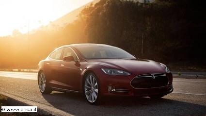 Nuova berlina Tesla Gen 3: caratteristiche tecniche, motori e prezzi