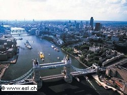 Nuova tassa auto inquinamenti in centro a Londra: la novit?á