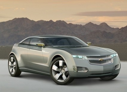 Nuova Chevrolet Volt: l'auto ibrida con motori elettrici e a benzina. Sarà sul mercato nel 2011. Anticipazioni, design e motorizzazioni. Foto.