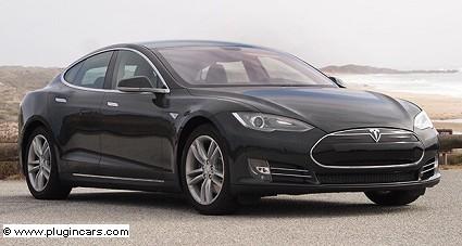 Tesla Model S con trazione integrale e pilota automatico: novit?á e caratteristiche tecniche