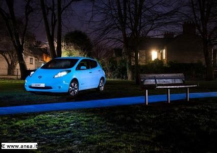 Nissan Leaf elettica pronta a debuttare in una inedita edizione fluorescente. Come sar?á?