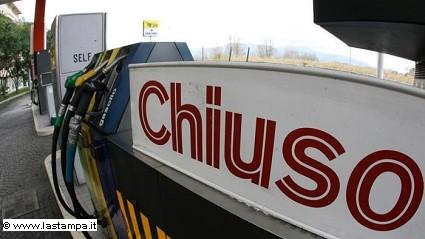 Benzinai: nuovo sciopero per i distributori in autostrada il 31 marzo e primo aprile. I motivi