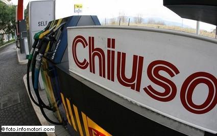 Distributori di carburanti chiusi oggi primo aprile: quali resteranno aperti e orario sciopero