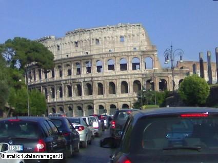Roma citt?á pi?? trafficata di Italia: troppe le auto in circolazione nella Capitale