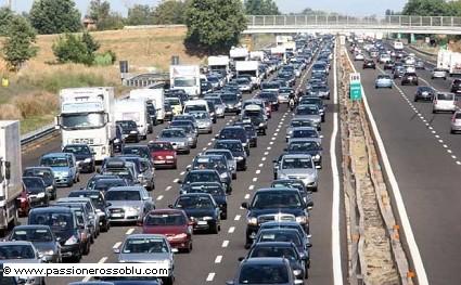 Esodo estivo e traffico: bollino rosso sabato 8 agosto. Il piano assistenza Anas