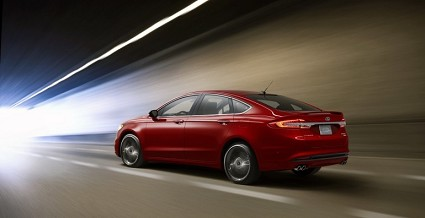 Ford Fusion V6 Sport: caratteristiche tecniche, novit?á e motori svelati al Salone di Detroit 2016