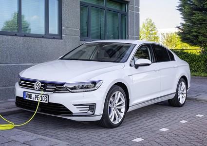 Volkswagen Passat GTE ibrida plug-in in vendita con prezzi dai 46.500 euro: le caratteristiche tecniche
