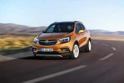 Nuova Opel Mokka X: rinnovamenti, caratteristiche tecniche e motori