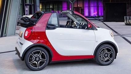 Smart Fortwo Cabrio 2016 in vendita da sabato 19 marzo con prezzi da 17.640 euro: motori e dotazioni