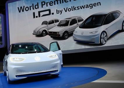Salone di Parigi 2016: le auto elettriche spopolano e la fanno da padrone. Modelli e novit?á in arrivo