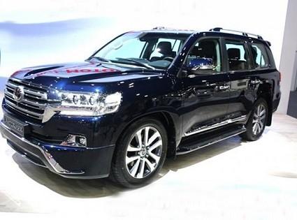 Nuovo Toyota Land Cruiser 2018 rivisto nel design: caratteristiche tecniche e motori