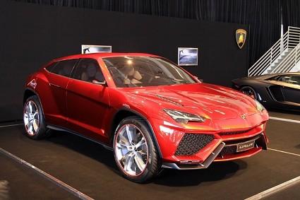 Lamborghini Urus: attesa la presentazione ufficiale dell'atteso suv. Prime caratteristiche tecniche
