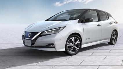 Nuova Nissan Leaf 2018 con Propilot per la guida con un unico pedale: in vendita da marzo. Motori e prezzi