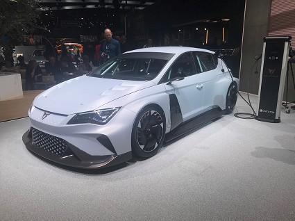 Nuova Cupra e-Racer al Salone di Ginevra 2018: caratteristiche tecniche, motori e prestazioni