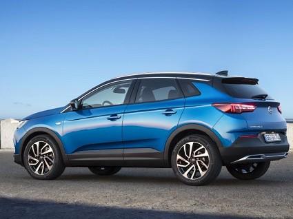 Nuovo Opel Grandland X con 2.0 diesel e AT8: novit?á e caratteristiche tecniche