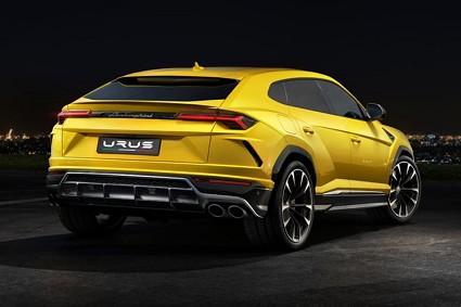 Nuova Lamborghini Urus in vendita a oltre 200mila euro: motori e prestazioni