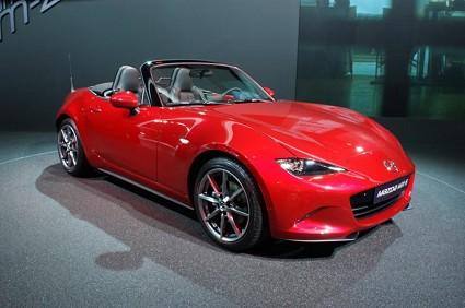 Nuova Mazda MX-5: in vendita da ottobre. Design, motori e prezzi