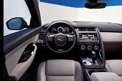 Jaguar E-Pace vince premio Best Design: caratteristiche tecniche e prezzi