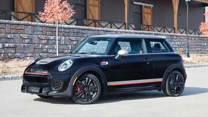 Mini Cooper Knights Edition: debutto a Los Angeles. Come sar?á?