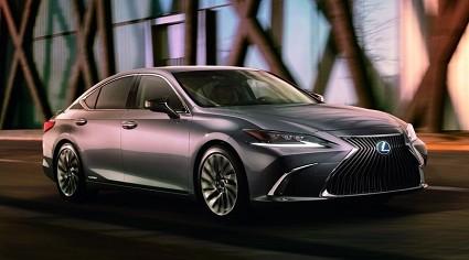 Lexus ES ibrida: al via gli ordini in Italia. Prezzi