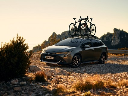 Nuove Totoya Corolla GR Sport e Trek al Salone di Ginevra: caratteristiche tecniche e motori
