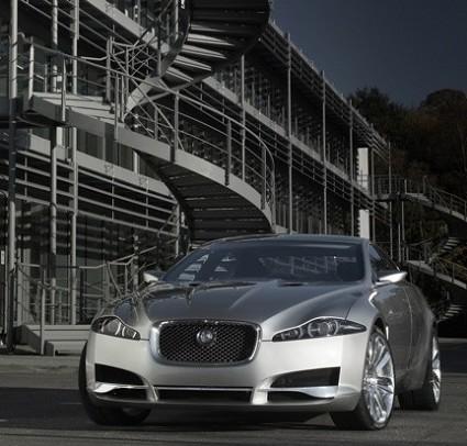 Jaguar C-XF: berlina a 4 porte con design da coup??. Sar?á il successore della della Jaguar S-Type
