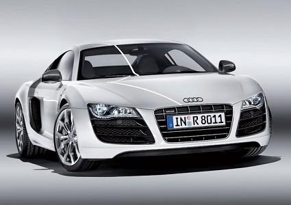 Nuova Audi R8 V10: finalmente in vendita in Italia la super sportiva della Casa di Ingolstadt ad iniezione diretta. Allestimenti, motori, prezzi.