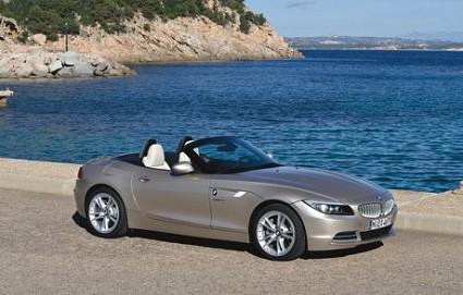 Nuova BMW Z4: versione rinnovata e pi?? potente della Roadster elegante, raffinata e sicura su strada. Design e motori. Foto.