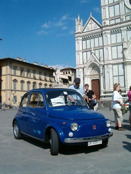 Fiat 500 elettrica: 110 km con un litro di benzina. Realizzata da italiani.