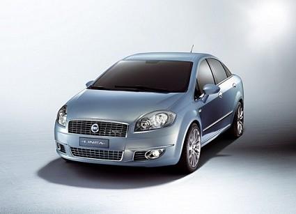 Fiat Linea, berlina a 4 porte basata sulla Grande Punto