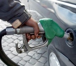 Carburanti: sale il prezzo della benzina da oggi primo luglio. Otto e nove sciopero nazionale