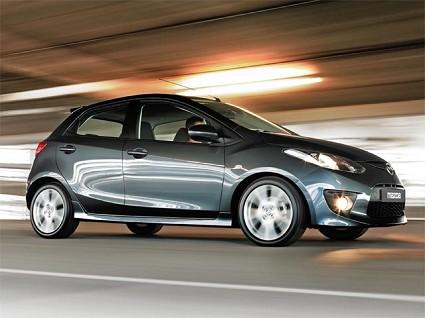 La nuova Mazda 2, auto da citt?á ideale per i giovani