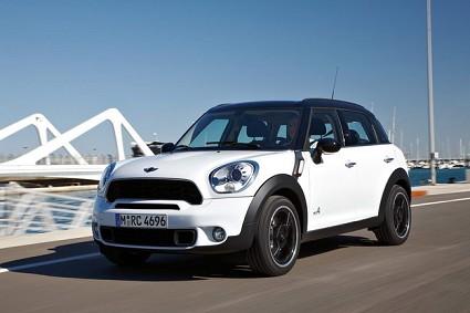 Nuova versione Mini Countryman con motori diesel e benzina. Le novit?á