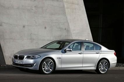 BMW Serie 5 ibrida al Salone di Ginevra 2010. Novit?á, motori e dotazioni